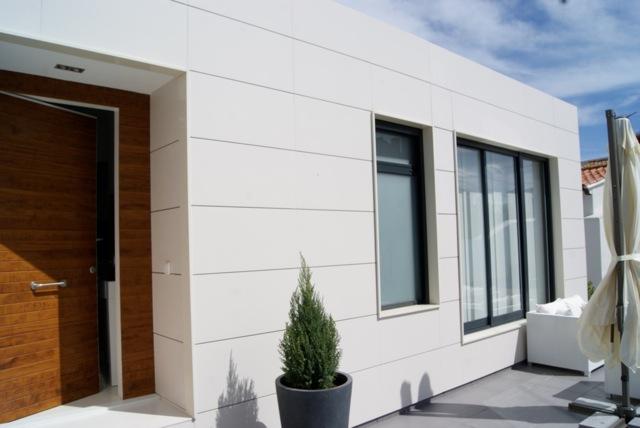C mo son las casas modulares en marbella vitale loft for Puertas prefabricadas precios