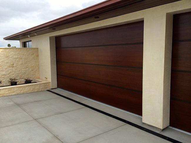 Puertas de madera para garajes